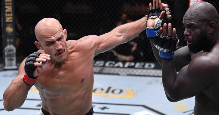 Junior «Cigano» Dos Santos